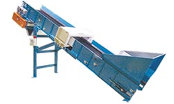 Shredder Feeder & Discharge Conveyors ginder-shredder-conveyor